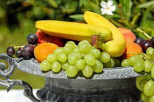 Reducir el colesterol comiendo frutas